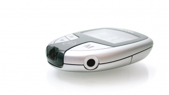 designmodellbau-bayer-healthcare-ascensia-contour-schlagheck-design